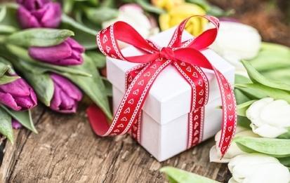 Лучшие идеи оригинальных подарков на 8 Марта: для жены, девушки, мамы, бабушки, коллеги