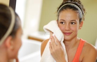 Косметика для подростков: когда, чем и как начинать пользоваться   Лучшие бренды первых уходовых и декоративных средств