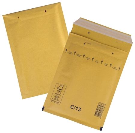 Конверт-пакеты с прослойкой из пузырчатой пленки (170х220 мм), крафт-бумага, отрывная полоса, комплект 100 шт.   Курт