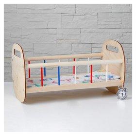 Кроватка классическая, постельное белье в комплекте