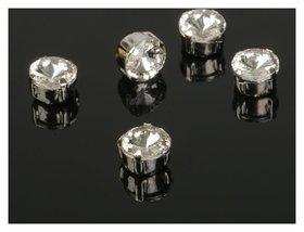 Стразы в цапах (набор 5 шт), 8*8мм, цвет белый в серебре Queen Fair