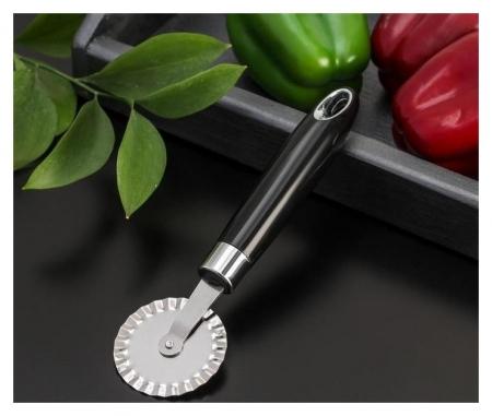 Нож для пиццы и теста «Скина», 20×5,5×2,5 см, ребристый, цвет чёрный  Доляна