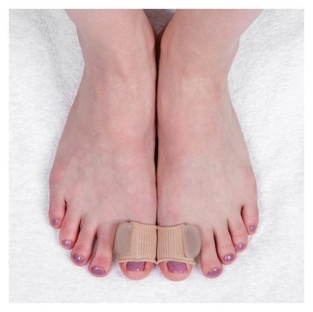 Корректоры для больших пальцев, на манжете, силиконовые, 5 × 3 см, пара, цвет бежевый  Onlitop