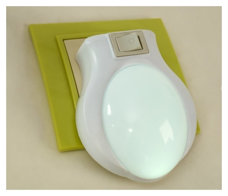 """Ночник пластик от сети """"Лунный свет"""" белый 9х7х3,5 см  КНР"""