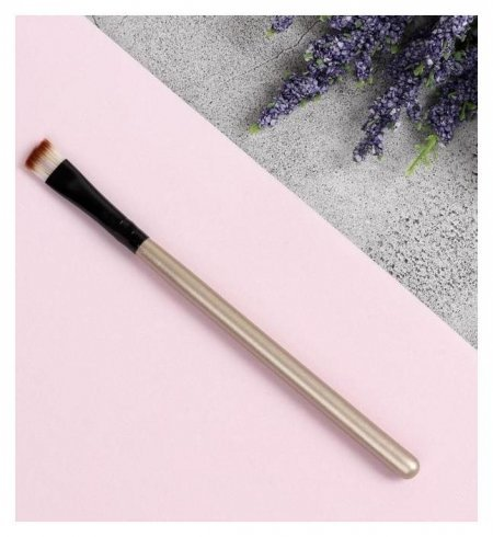 Кисть для макияжа скошенная, 13 см, цвет коричневый  Queen Fair