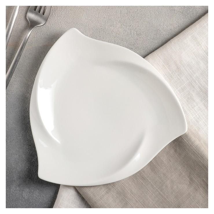 Тарелка треугольная 20,5 см Wilmax