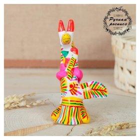Филимоновская игрушка «Лиса с петухом»