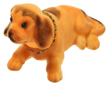 Собака на панель авто, качающая головой, большая, коричневый окрас  NNB