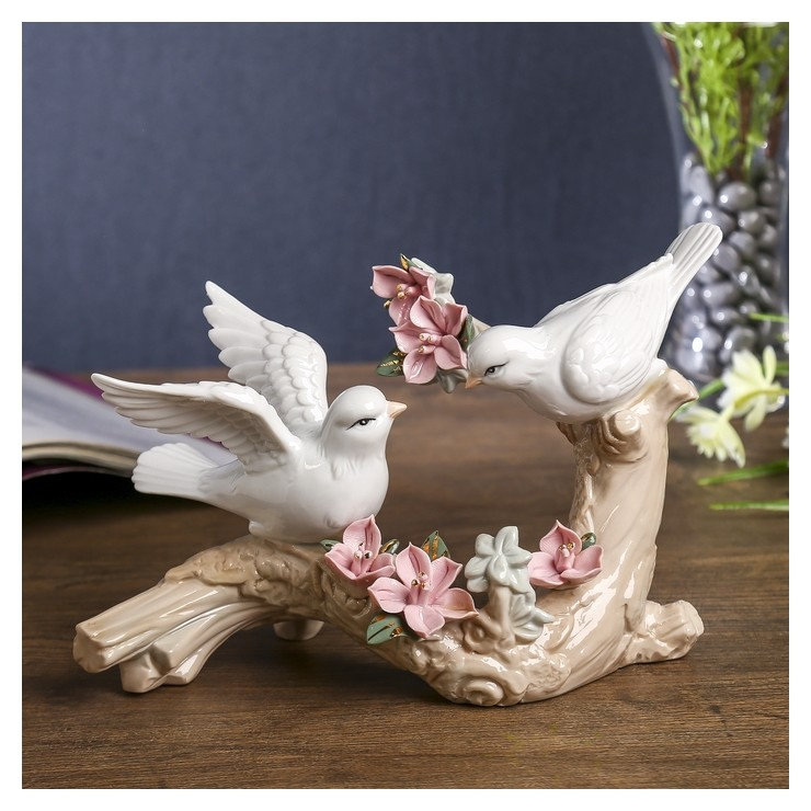 Сувенир Две птички на ветке с цветами 13х21х9 см NNB