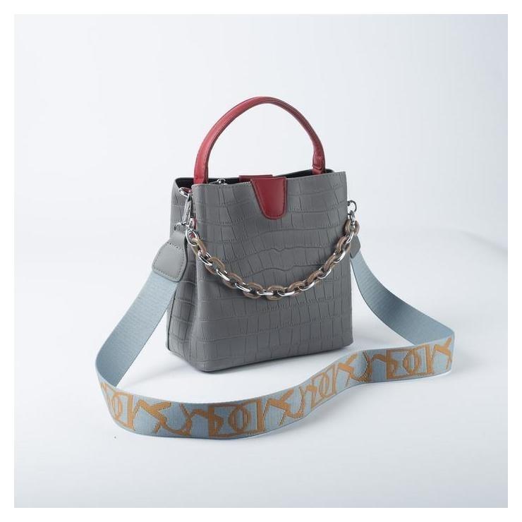 Сумка женская, отдел на магните, наружный карман, длинный ремень, цвет серый NNB