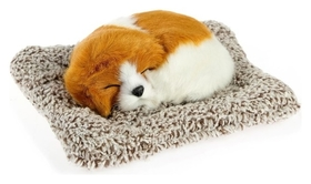 Игрушка на панель авто, собака на подушке, бело-рыжий окрас