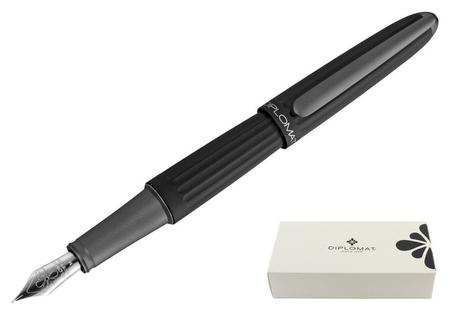 Ручка перьевая Diplomat Aero Black F синий D40301023  Diplomat