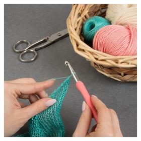 Крючок для вязания, с пластиковой ручкой, D = 6 мм, 14 см, цвет розовый