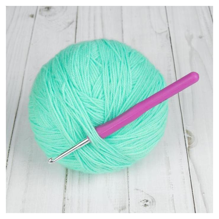 Крючок для вязания, с пластиковой ручкой, D = 4 мм, 14 см, цвет фиолетовый  Арт узор