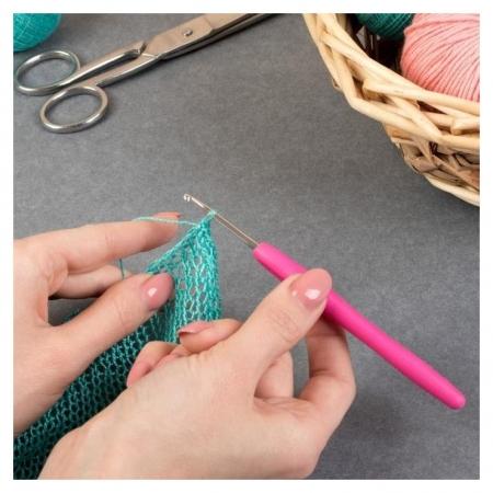 Крючок для вязания, с силиконовой ручкой, D = 2,5 мм, 14 см  Арт узор