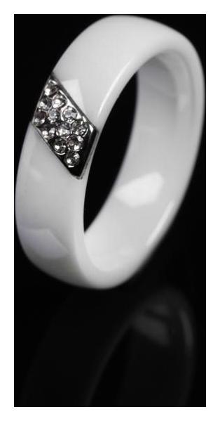 Кольцо керамика Диагональ, цвет белый, 17 размер NNB