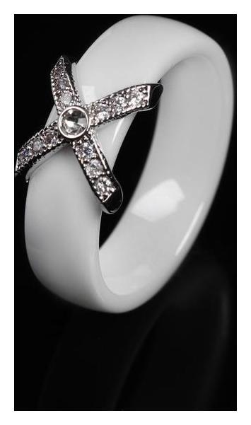 Кольцо керамика Сплетение, цвет белый в серебре, 16 размер NNB