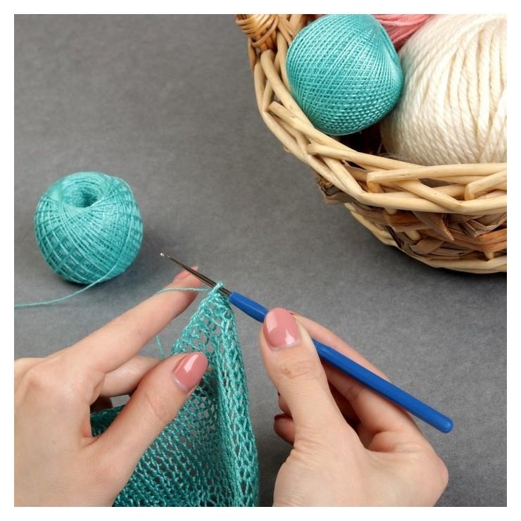 Крючок для вязания, с пластиковой ручкой, D = 0,75 мм, 13,5 см, цвет синий  Арт узор