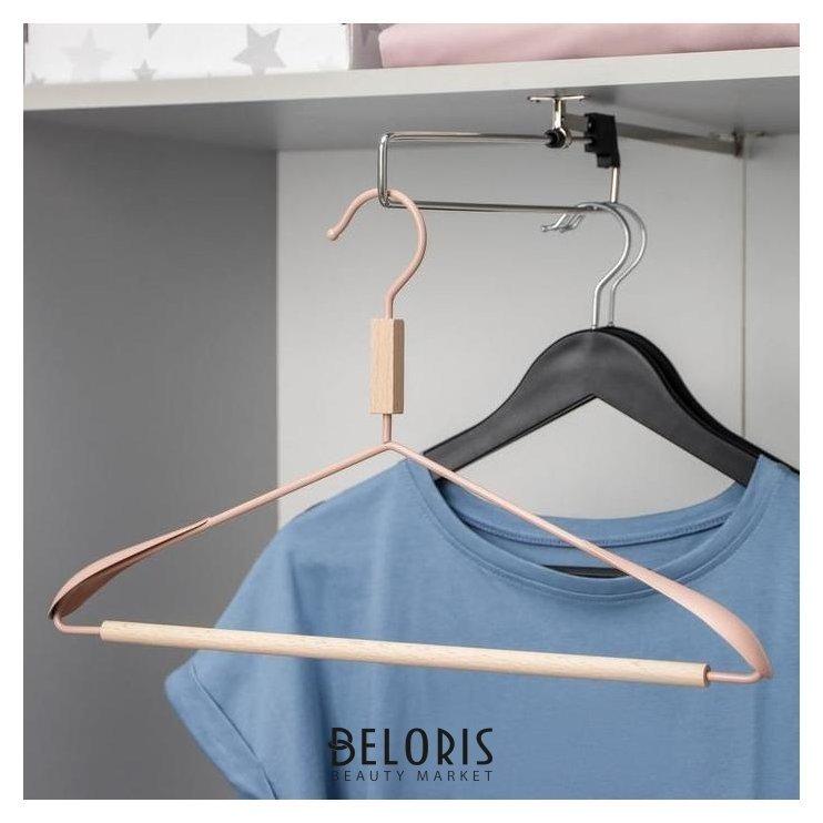 Вешалка для одежды с усиленными плечиками Savanna Wood, 42×22×3,2 см, цвет розовый Savanna