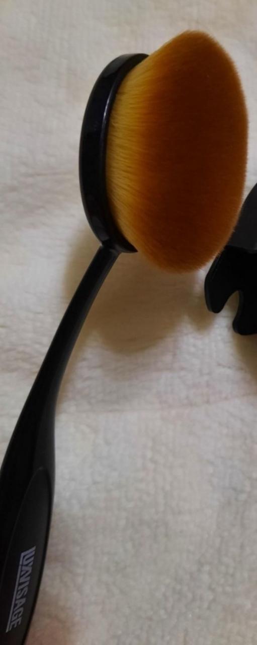 Отзыв на товар: Профессиональная косметическая кисть для кремовых текстур №20. Luxvisage. Вид 1 от 1610740801