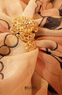 """Отзыв на товар: Кольцо для платка """"Цветок"""" с подвеской, цвет белый в золоте. Queen Fair."""