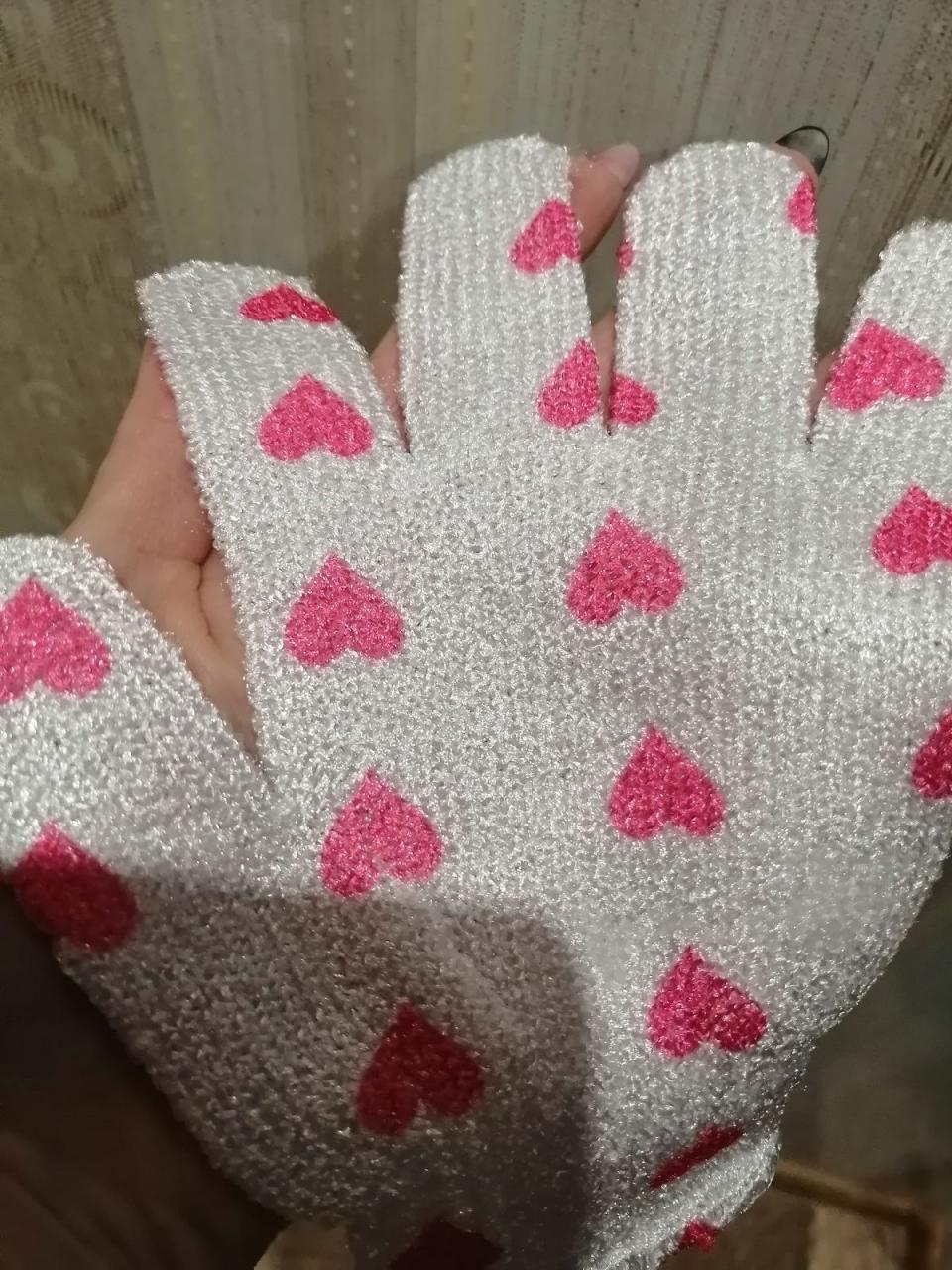 Отзыв на товар: Мочалка-перчатка массажная. Доляна. Вид 1 от 1614883965