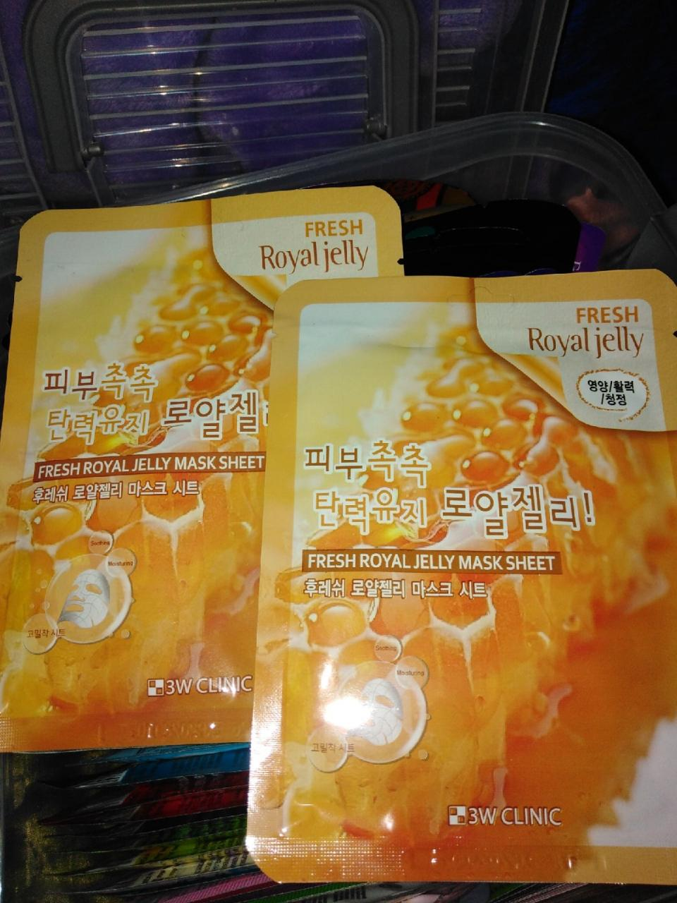 Отзыв на товар: Освежающая тканевая маска для лица с пчелиным молочком Fresh Royal Jelly Mask Sheet. 3W CLINIC. Вид 1 от 1619368596